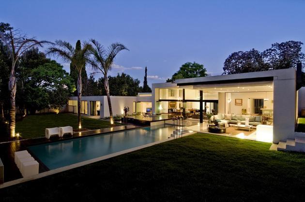 别墅屋顶玻璃加建