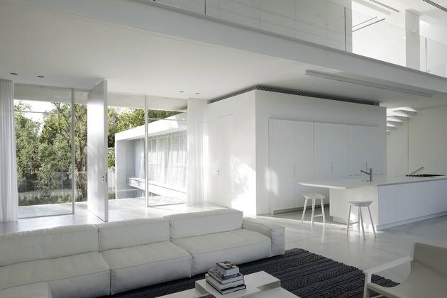 以色列建筑师pitsoukedem别墅现代简约白色v别墅梦见在山上别墅图片